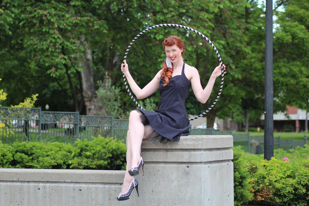 kelly modelling with a hoop