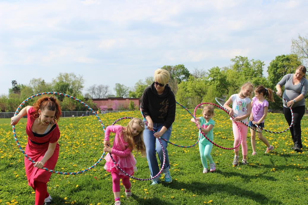 hoop you hula hoop train with kids