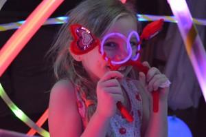 hoop-you-glow-party-kids3
