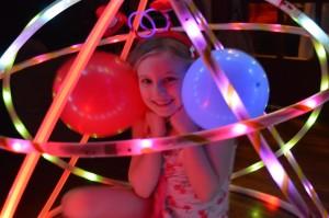hoop-you-glow-party-kids4